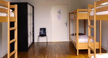 4 BED PRIVATE ROOMS